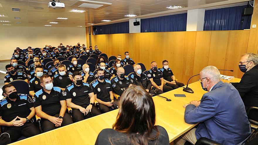 La Agasp forma este curso a un centenar de agentes y a 53 oficiales