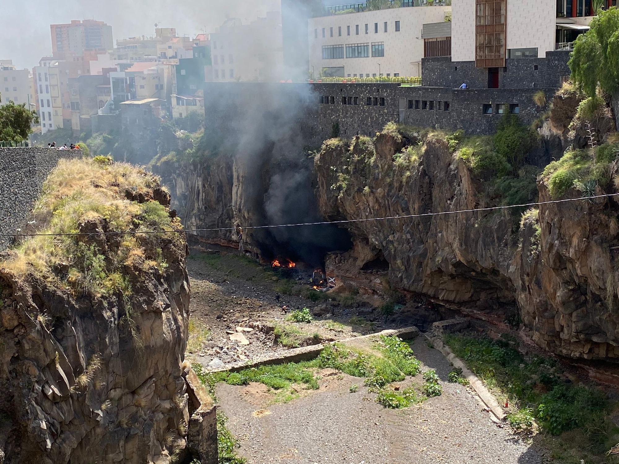 Incendio en una casa cueva de Barranco de Santos