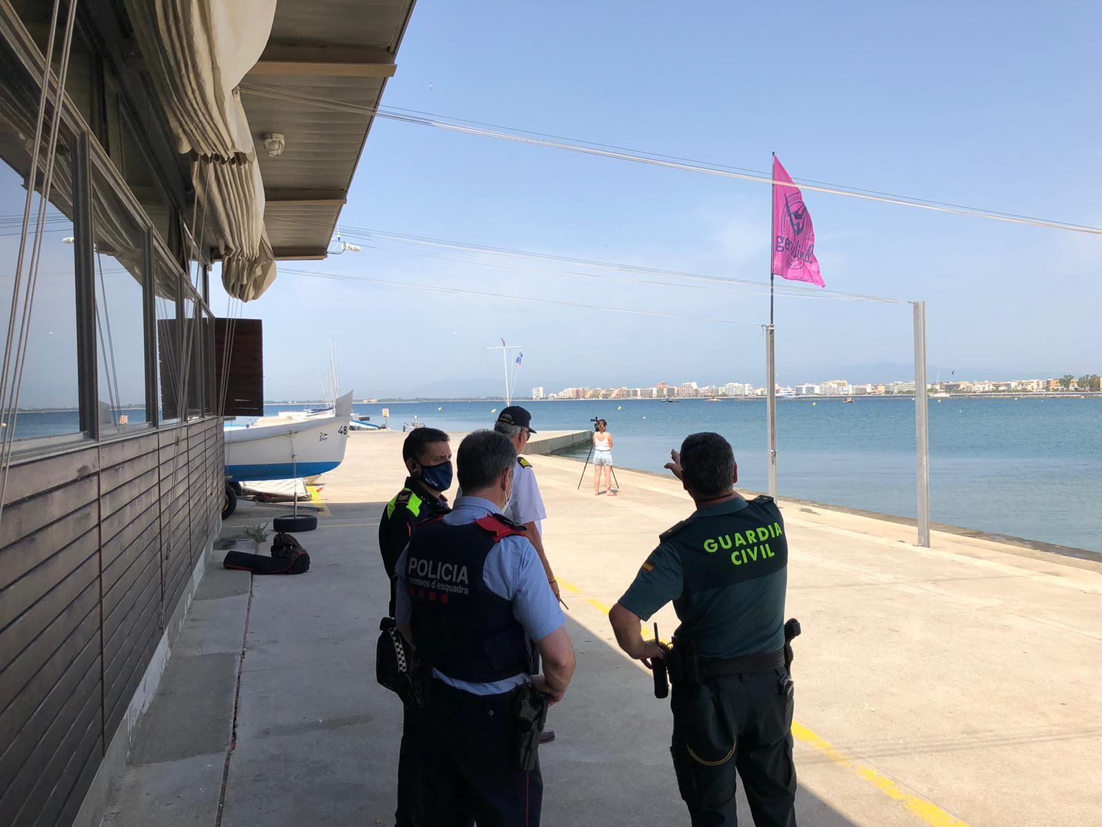 Tanquen els accessos al port de Roses per la troballa d'una mina
