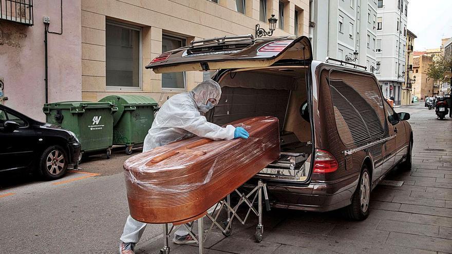 La C. Valenciana alcanza 4.037 muertes y 5.000 brotes en once meses de pandemia