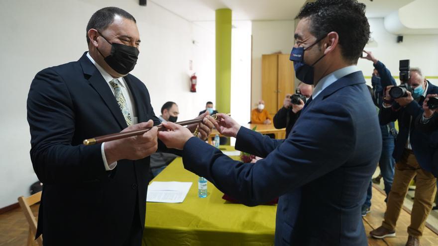 """Rubén Quintá jura el cargo de alcalde de Rodeiro poniendo """"en el centro de todo"""" a los vecinos"""
