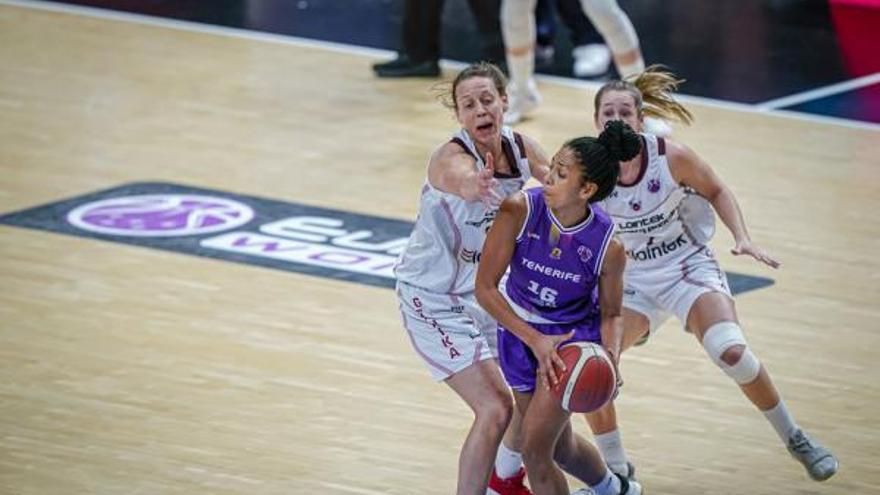 María Bettencourt se incorpora al Casademont Zaragoza