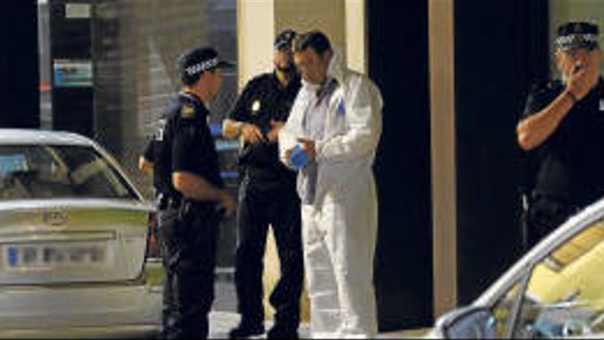 Assassinen a Elda un nen de 8 anys i agredeixen la parella del seu pare d'acollida