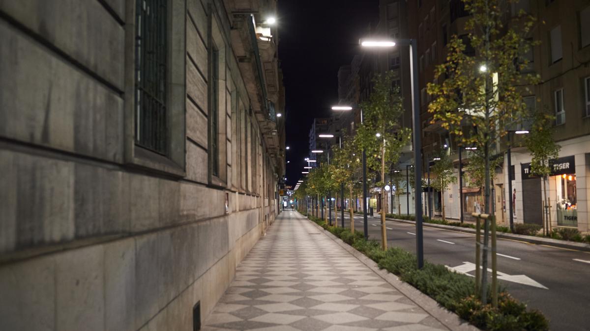 Una calle del centro de Santander, desierta