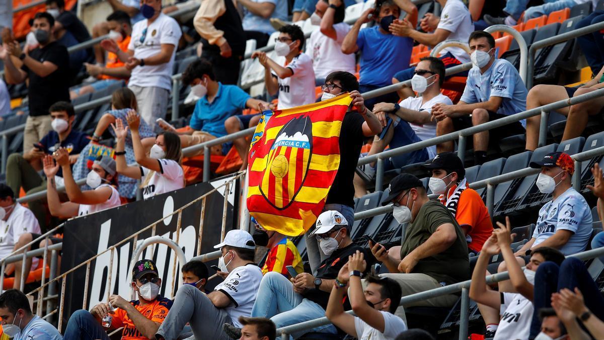Una imagen de la vuelta a los campos de la afición del Valencia CF
