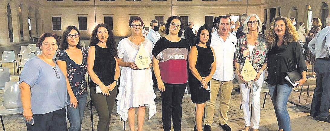 Trinidad Herrera, Victoria Cabalin, María Carmona, Gloria Palos, Silvia Montejano, María José Belmonte, Lorenzo Navarro, María Cazorla y Marga Reus.