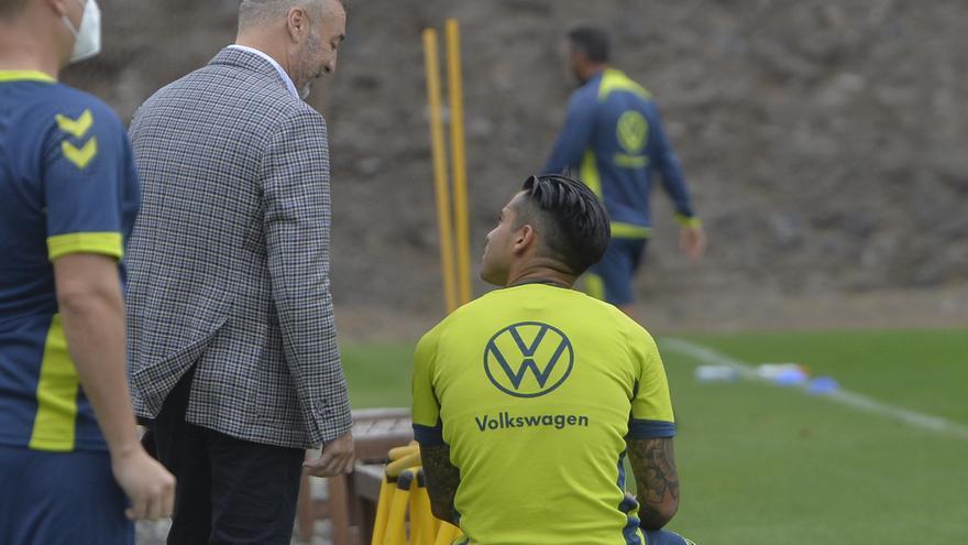 Ramírez explica que tuvo que vender a Araujo para traer a Viera, el 'Messi canario'
