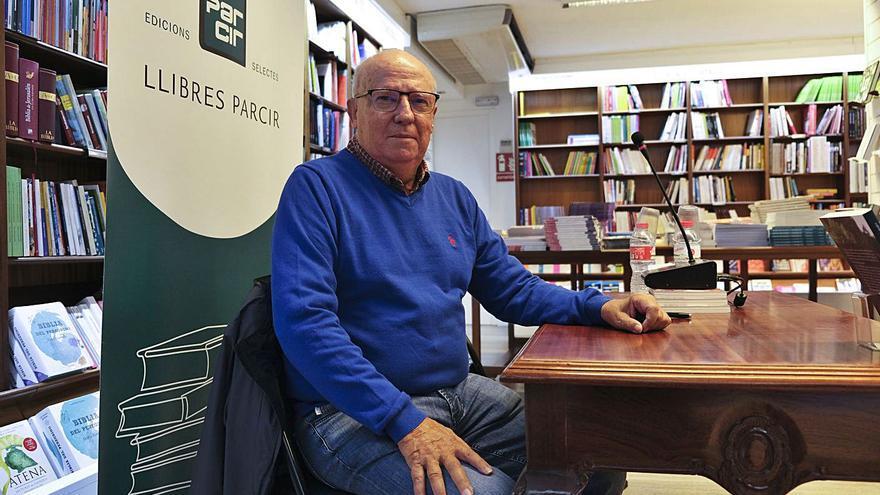 Josep Arola uneix realitat i ficció per recrear la Manresa dels anys 40 i 50