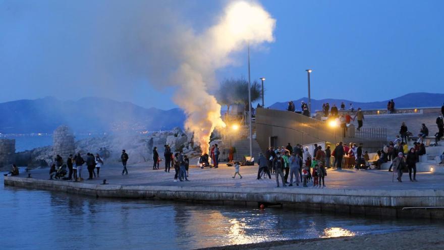 Cap de setmana de Tots Sants sense parada de castanyes a la Riba de l'Escala