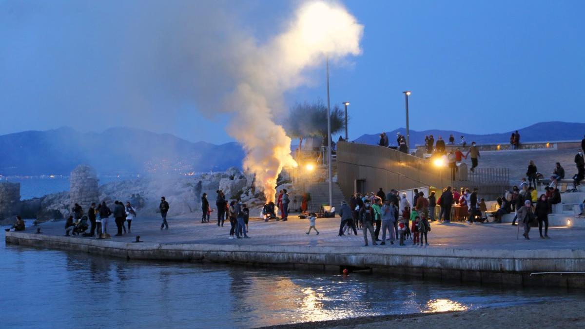 Aquesta tradició pròpia de la tardor es conserva des de fa més de 35 anys a l'Escala.