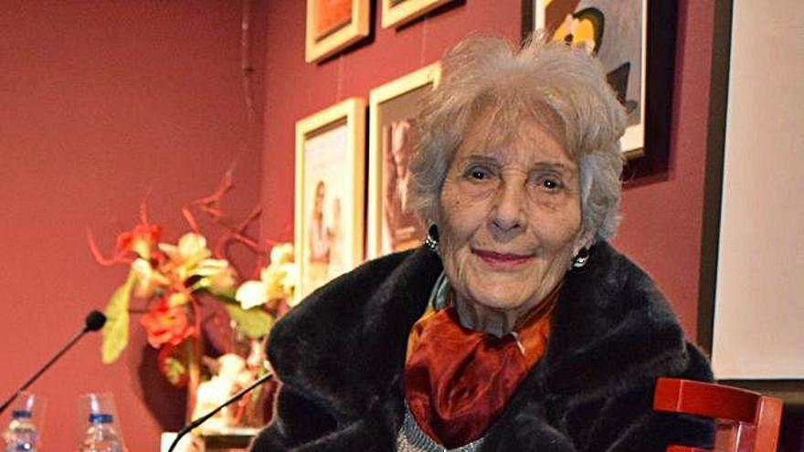 """Luz Pozo, unha das """"renovadoras"""" da poesía galega, morre aos 97 anos na Coruña"""