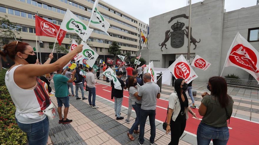La Policía Canaria se manifiesta en Las Palmas de Gran Canaria para reclamar derechos y pedir transparencia
