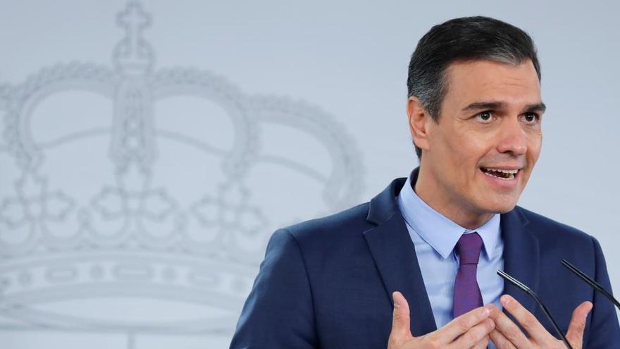 Sánchez defiende la Monarquía y el Pacto Constitucional