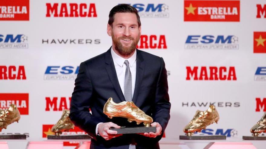 Messi rep la cinquena Bota d'Or: «cal seguir treballant perquè això continuï»