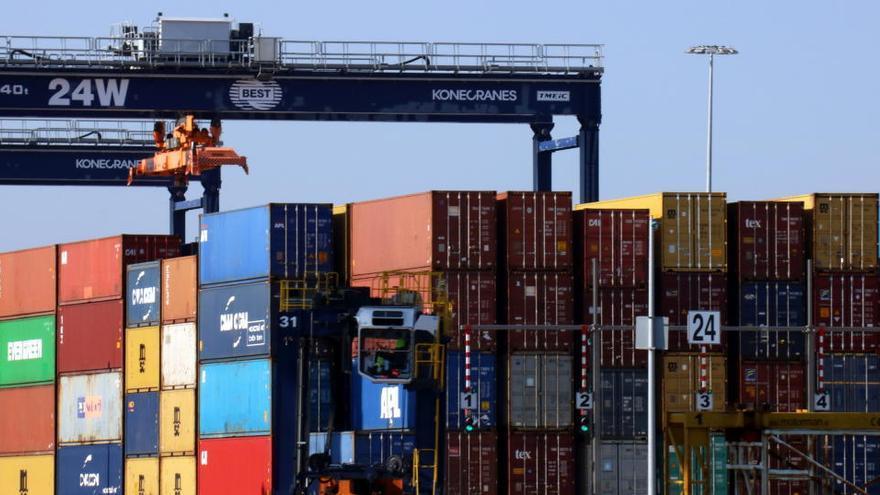 Les exportacions catalanes cauen un 5,5% al setembre fins als 5.818,6 milions d'euros i perden un 14,1% des del gener