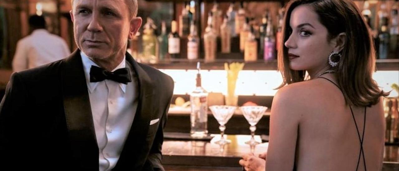 Daniel Craig y Ana de Armas.