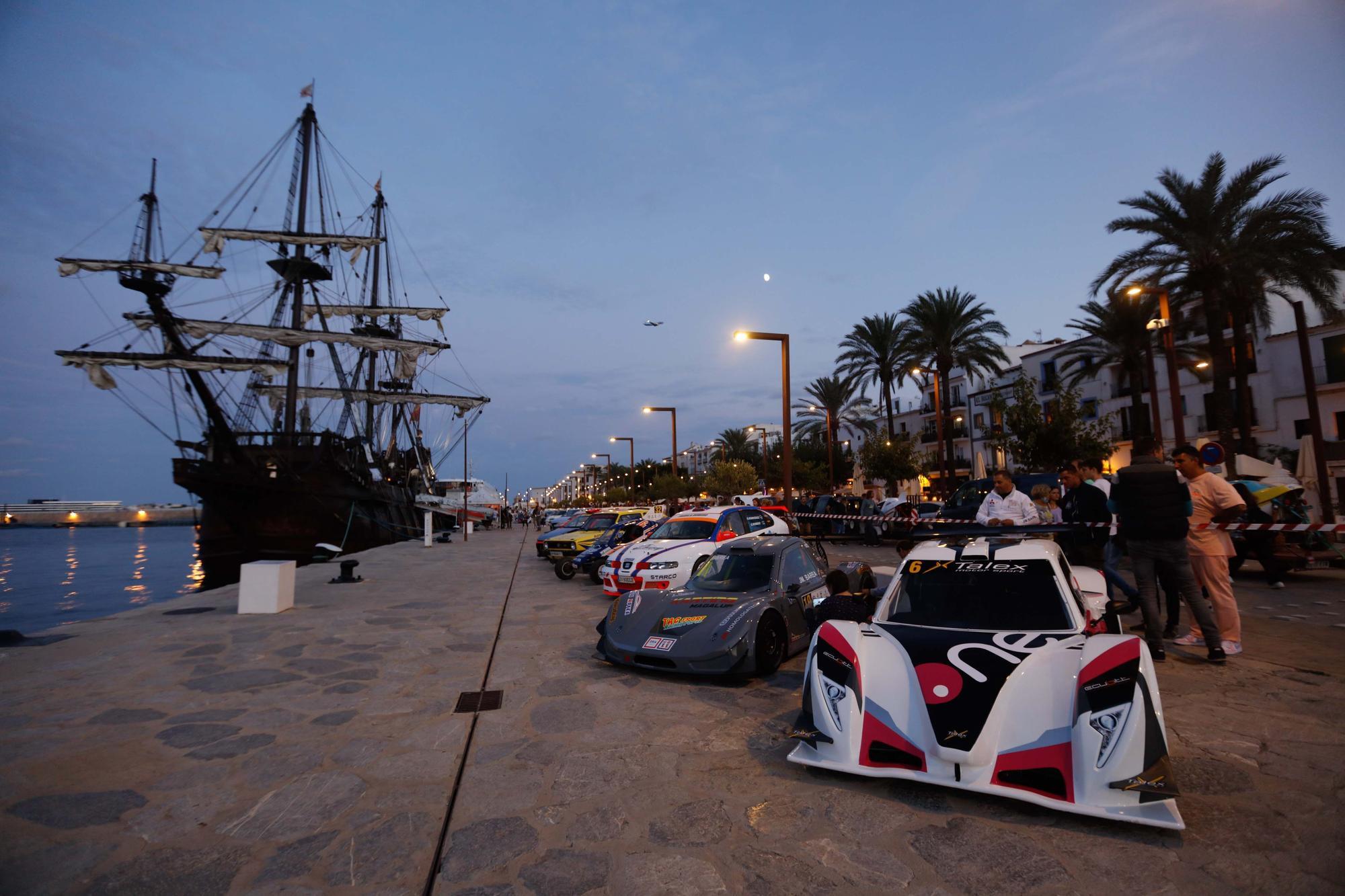 Escaparate de lujo en la Pujada a sa Cala en el puerto de Ibiza