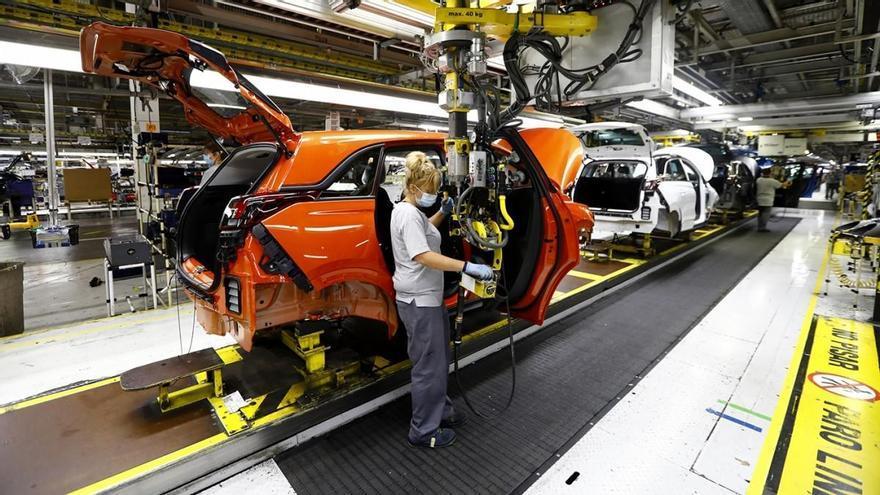 Con el Citroën e-C4, el Grupo PSA ya produce eléctricos en sus tres plantas españolas