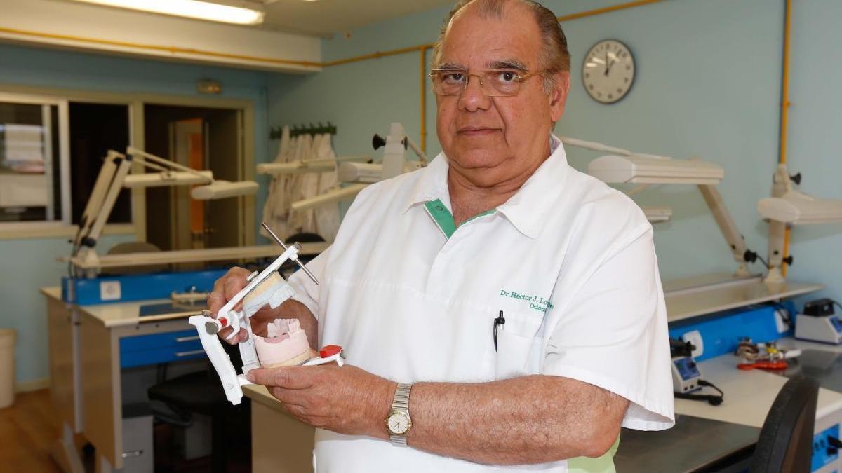 El Dr. Héctor J. Lobaina Maresma, director y fundador del centro privado de F.P. Sanitex.