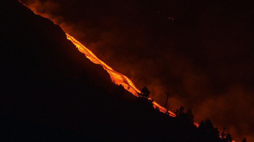 La noche transcurre sin incidentes en la zona del volcán de La Palma