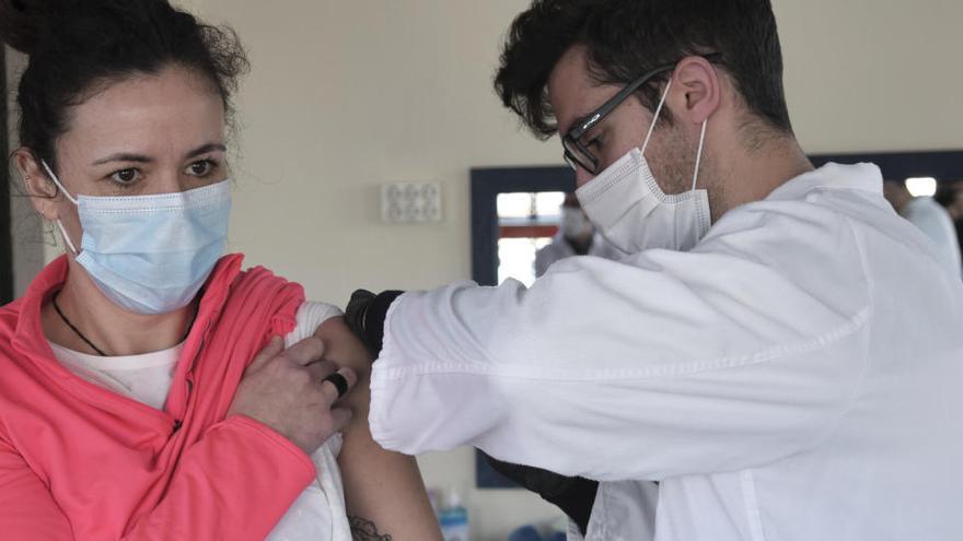 Baleares sitúa su ritmo de  vacunación por encima de la media