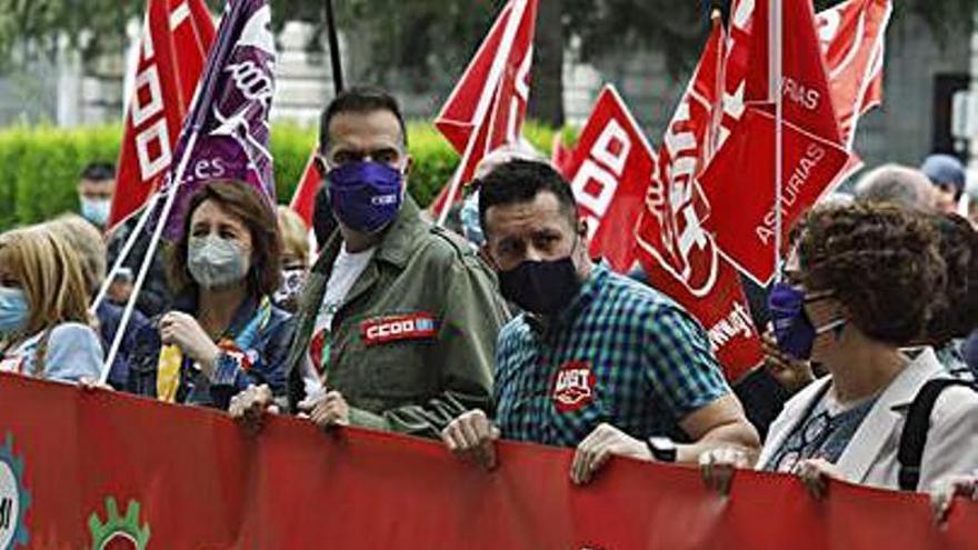 UGT y CC OO reclaman en Oviedo la subida del salario mínimo