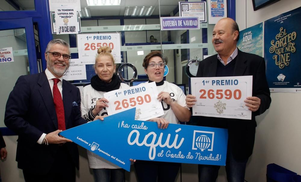 El número 26.590, del que 90 series estaban a la venta en Salou (Tarragona), ha sido agraciado con el Gordo de Navidad.