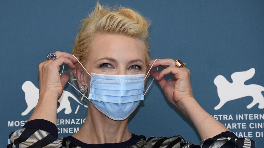 Cate Blanchett pide defender el cine al inaugurar la Mostra