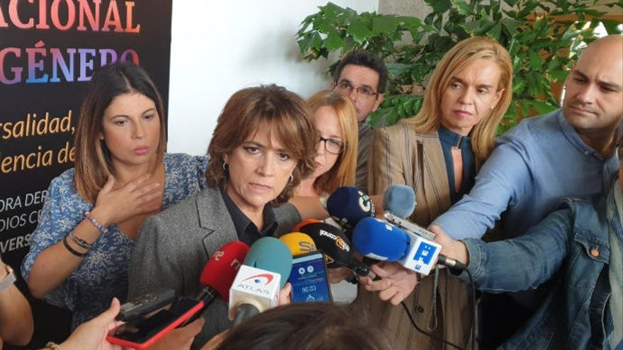 """Dolores Delgado: """"Hay que encontrar las mayorías necesarias para el desbloqueo político"""""""