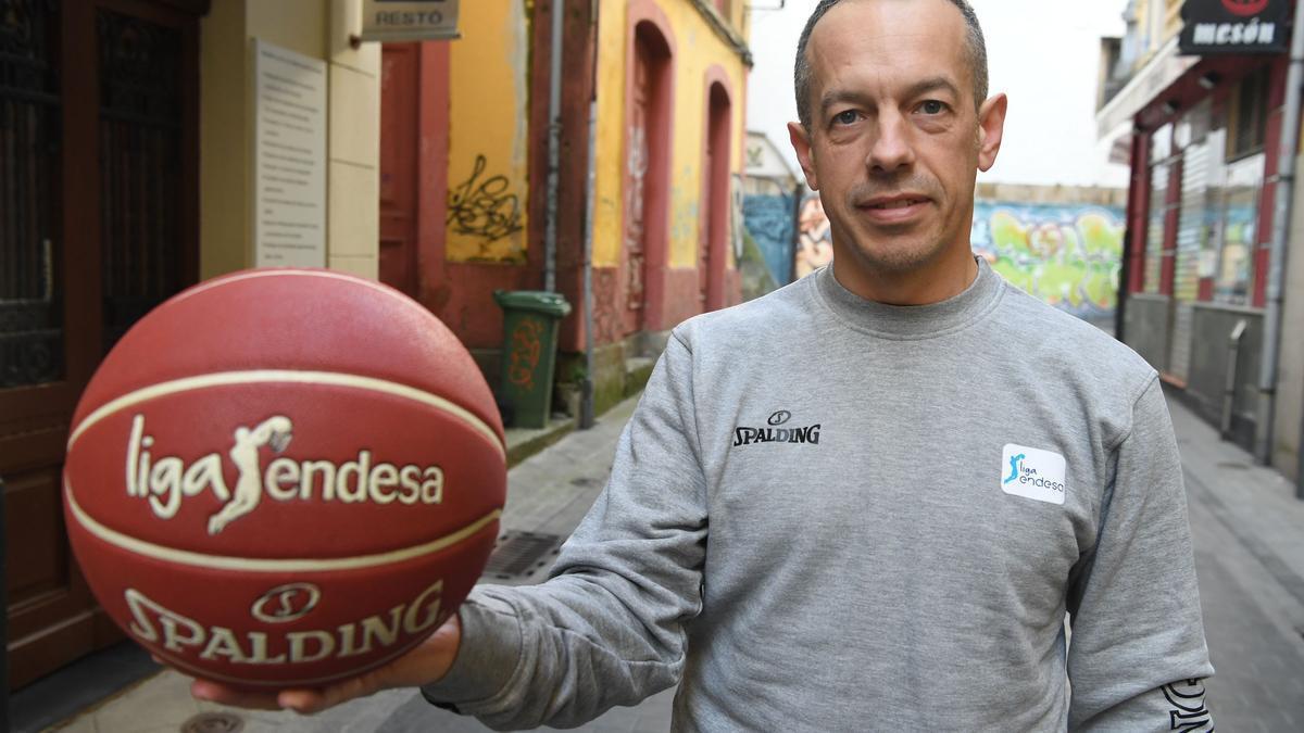 Carlos Cortés ya ha dirigido más de 400 partidos en Liga ACB.