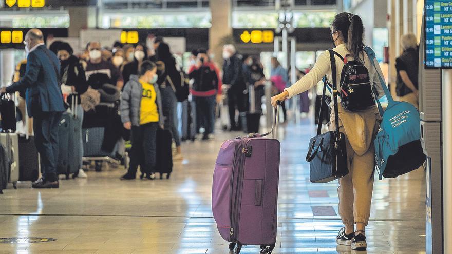 Cuatro turistas llevan de Canarias a Islandia la cepa británica