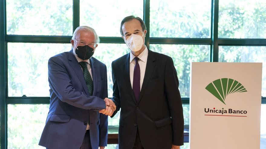 Liberbank ya fortalece a Unicaja