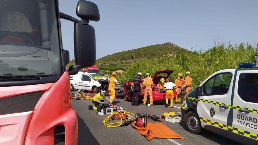 El accidente de Castelló de Rugat donde ha fallecido una persona y cuatro están heridas