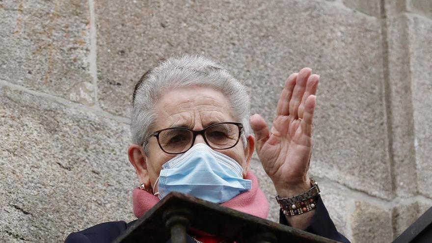 Vacuna del coronavirus en Galicia | Nieves Cabo, de 82 años, primera gallega en recibir la vacuna del coronavirus