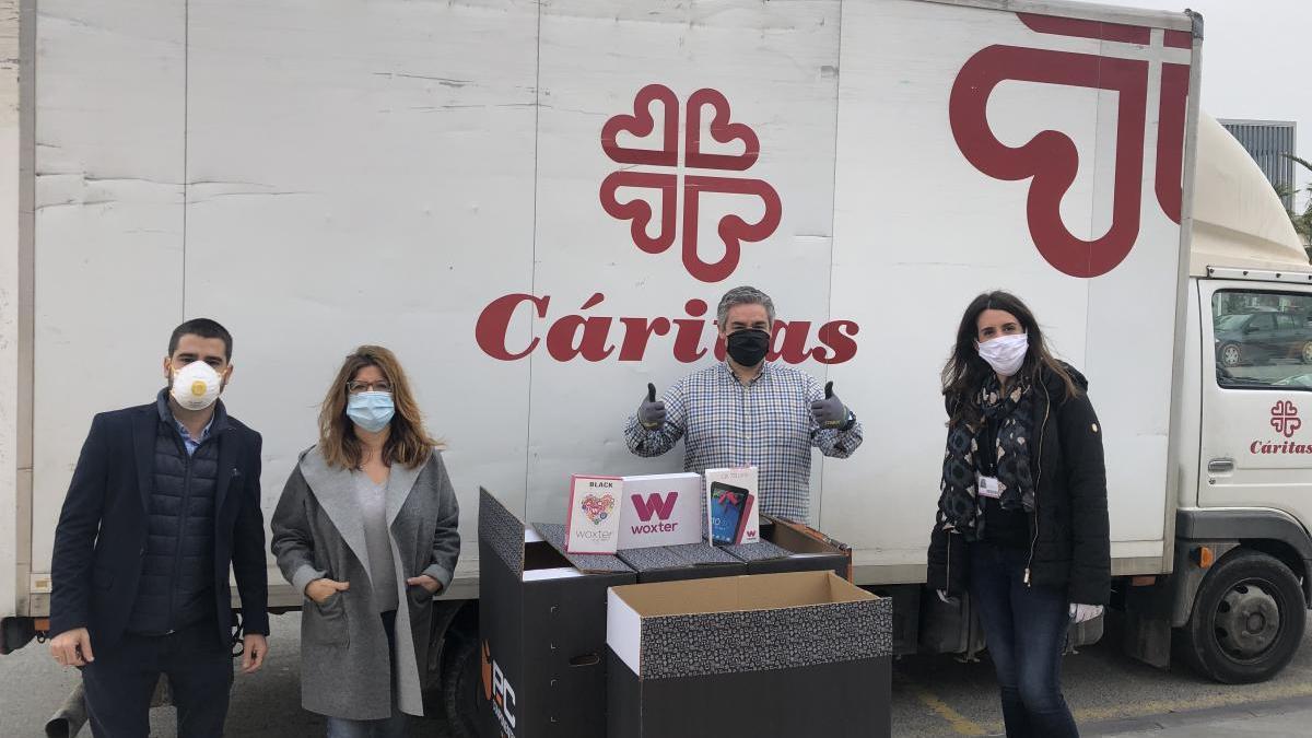 PcComponentes entrega tablets a Cáritas