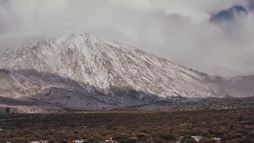 El Teide se viste de blanco  por segunda vez este año