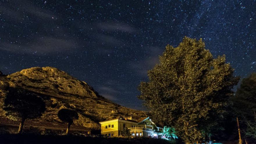 Aliaga, el municipio de las estrellas en un enclave único