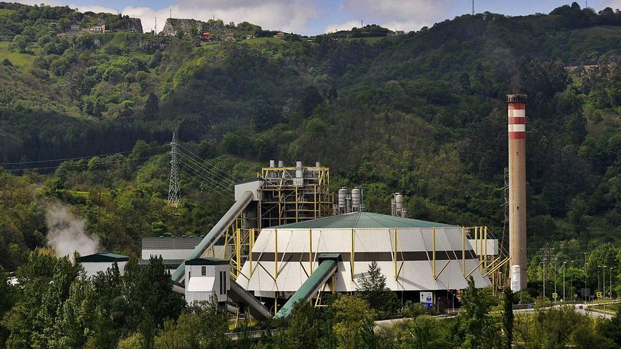 El 84% de los mierenses apoya el cambio de combustible en la térmica, según un sondeo