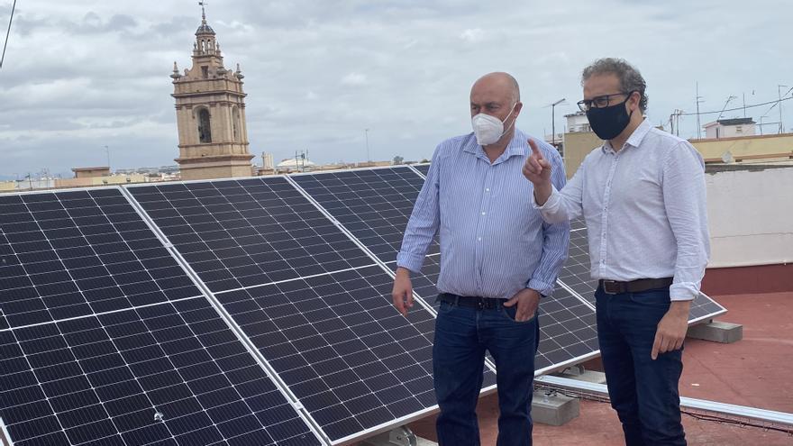 Quart de Poblet instala placas solares en edificios municipales