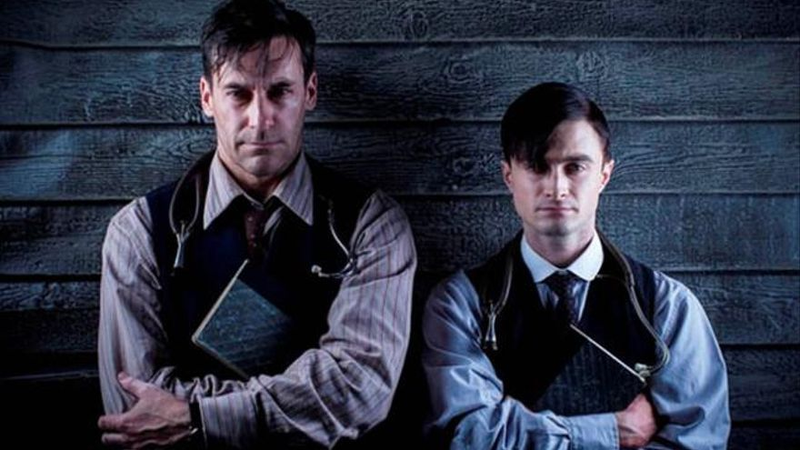 Daniel Radcliffe y Jon Hamm, en  'A Young Doctor's Notebook & Other Stories'