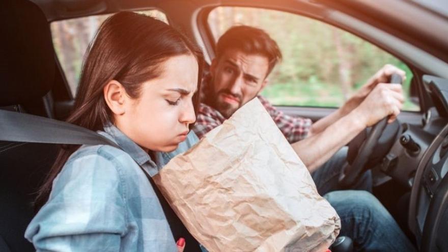 Viajar en coche: 12 consejos para evitar el mareo
