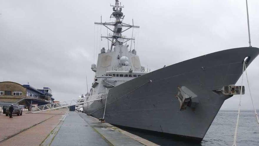 Detectado un brote con cinco positivos en la fragata 'Álvaro de Bazán', con base en Ferrol