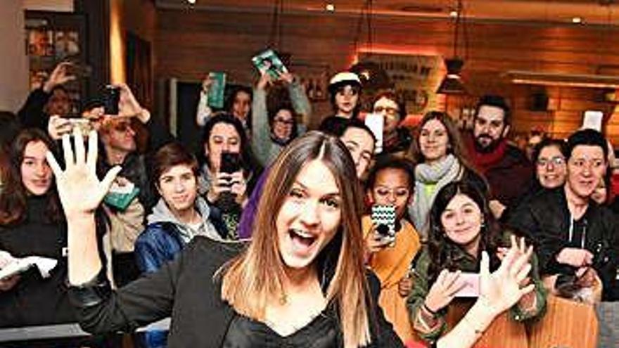 Sabela comenzará el 29 de noviembre en A Coruña la promoción de su primer disco