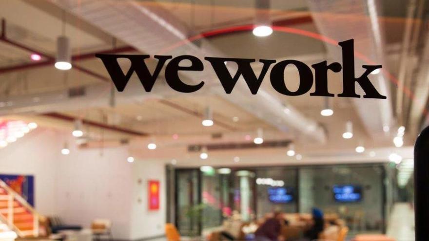 Anne Hathaway y Jared Leto fichan por Apple para una serie sobre la firma WeWork