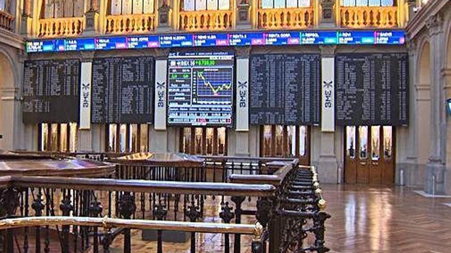La borsa espanyola cau a nivells de 2012 i Wall Street perd gairebé 3.000 punts