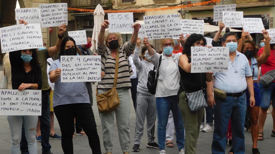 Nova concentració a la plaça Major per reclamar una Manresa més segura