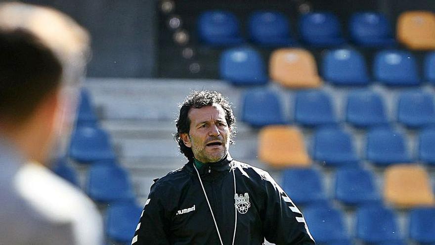 David Sierra se acerca al Pontevedra tras haber descartado a Luisito