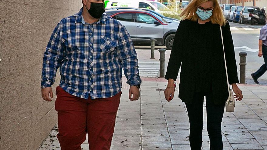 Declaran tres de los seis investigados por el caso de los chats del PSOE de San Vicente