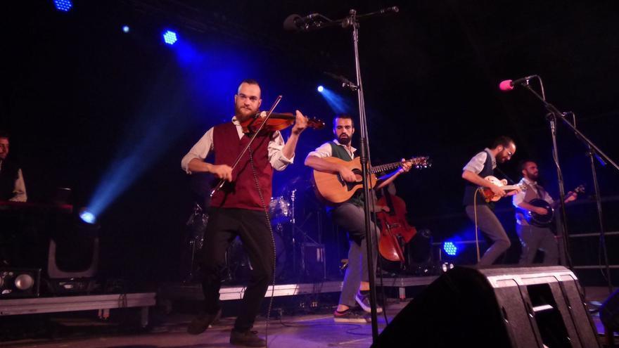 Roba Estesa, Pony Pisador, Les Anxovetes i Germà Negre, grups que participaran al nou festival Catalan Sounds
