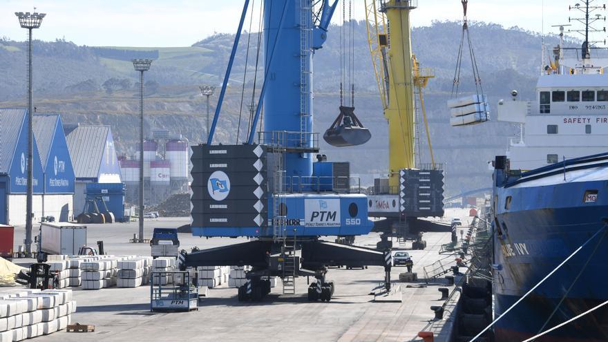 Aprobados por unanimidad el proyecto y el convenio del tren al puerto exterior de A Coruña